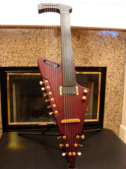 TD HG WINE RED fretless front (425 x 567)